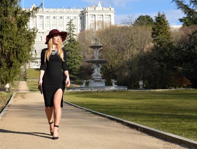 Bershka Dress Miss Swan Gea Ballmann